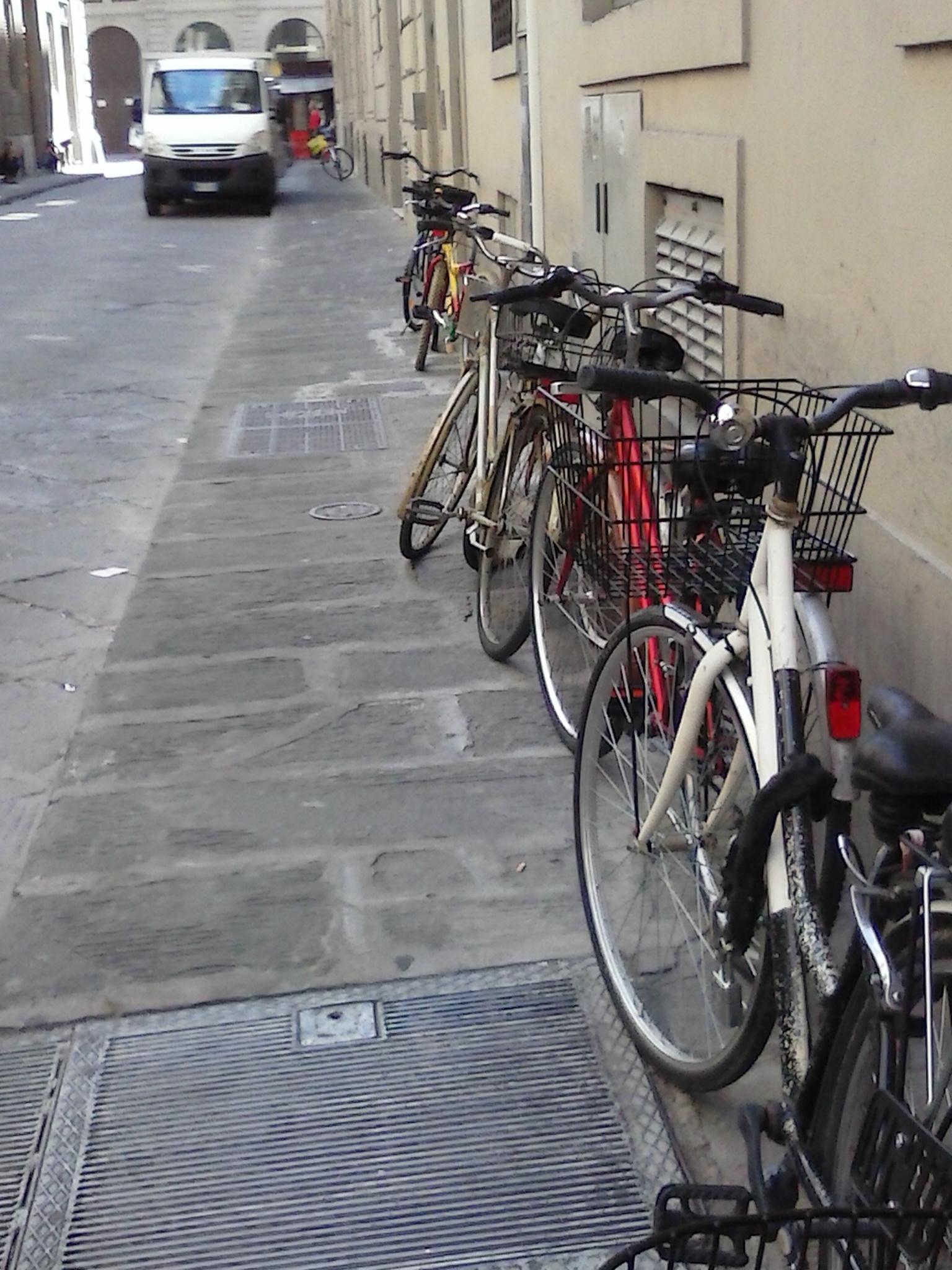 bici in via de' Medici ang.via de' Tosinghi